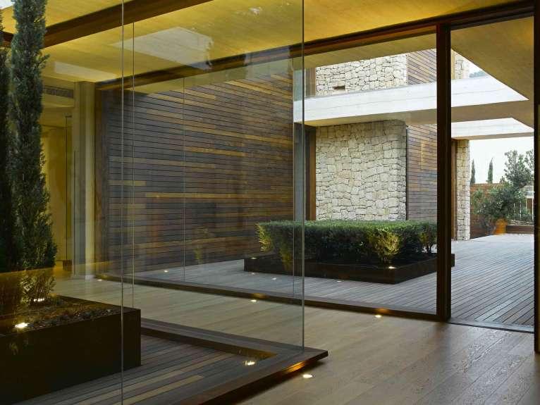 Elegante vivienda en monasterios comunidad valenciana for Fotos patios interiores